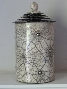 Ceramic pot with bicycle cassette lid