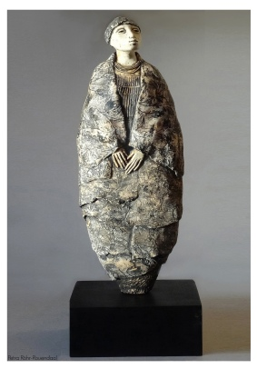 Standing African woman, ceramic